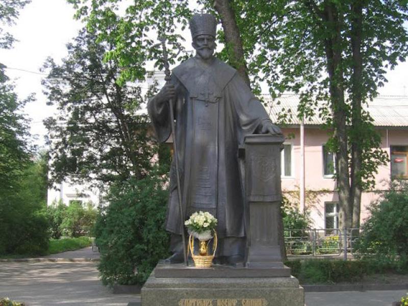 Пам'ятник Йосифу Сліпому. Тернопіль