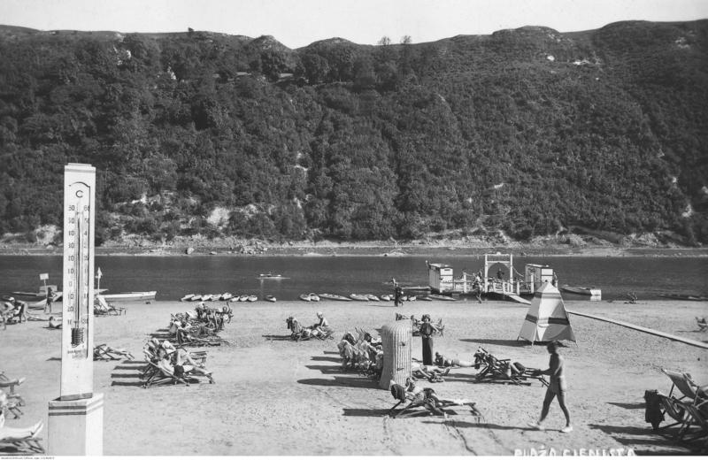 Пляж у Заліщиках за часів Польщі